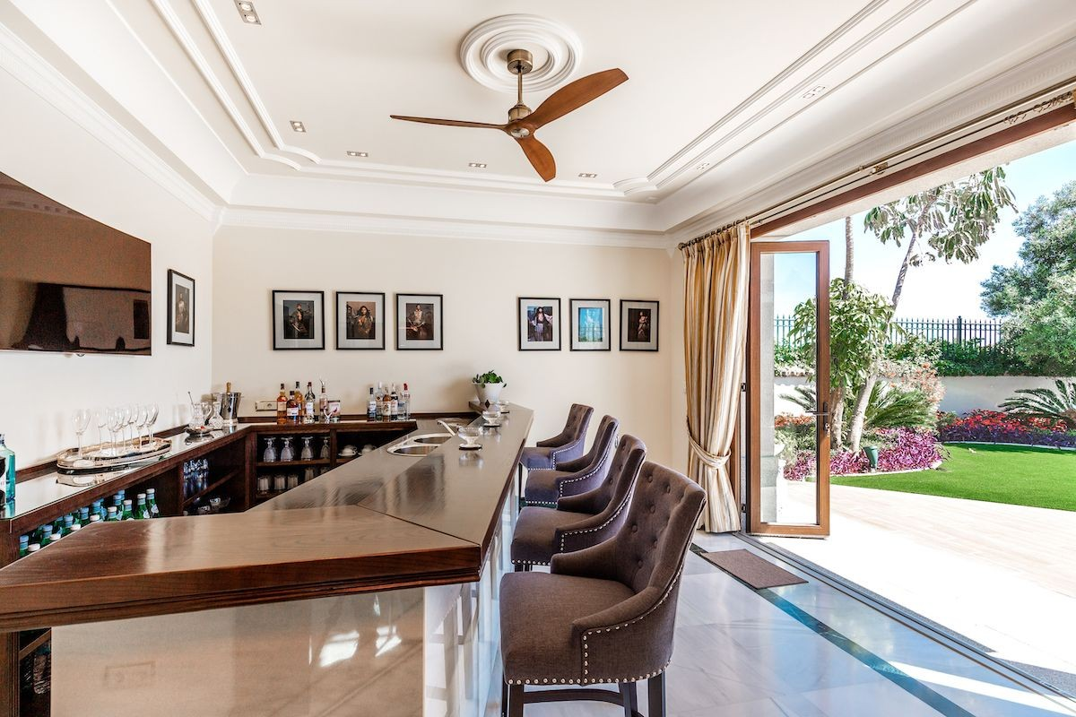 Fristående villa i Marbella - Begagnade in Lexington Realty
