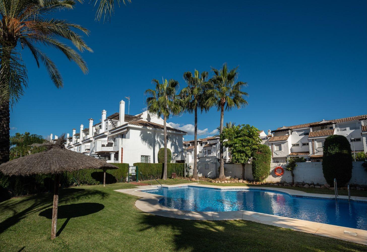 Townhouse in Marbella - Resale in Lexington Realty